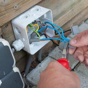 elektra buiten aanleggen